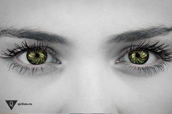 зеленые глаза женщины