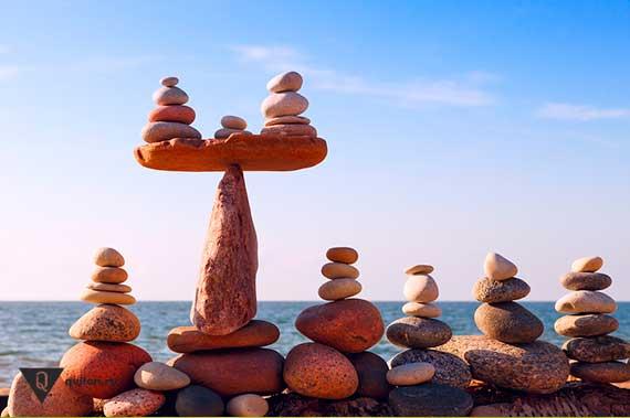 много камней находятся в равновесии
