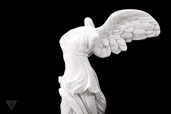 статуя богини Найки