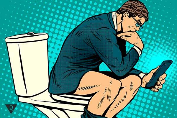босс сидит в туалете