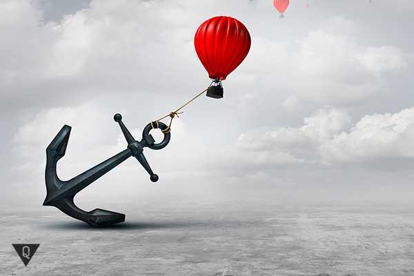 воздушный шар тянет за собой якорь