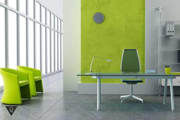 Офис с зелеными стульями и ковром