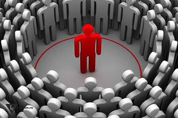 нарисованный красный человечек в кругу серых