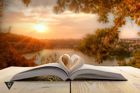 книга с листами в форме сердца