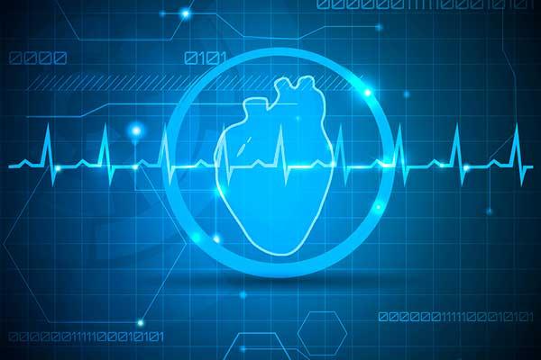 синяя кардиограмма на фоне сердца