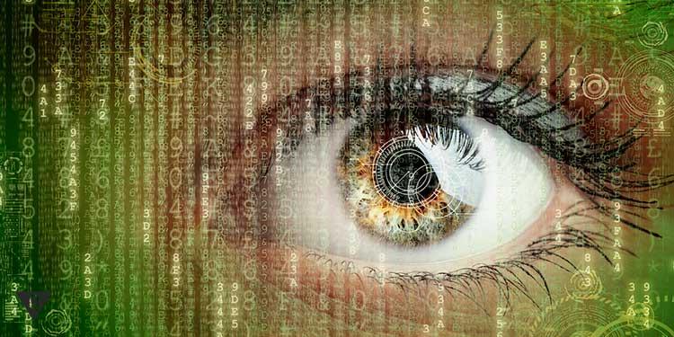 женский глаз в потоке цифр и информации как в матрице