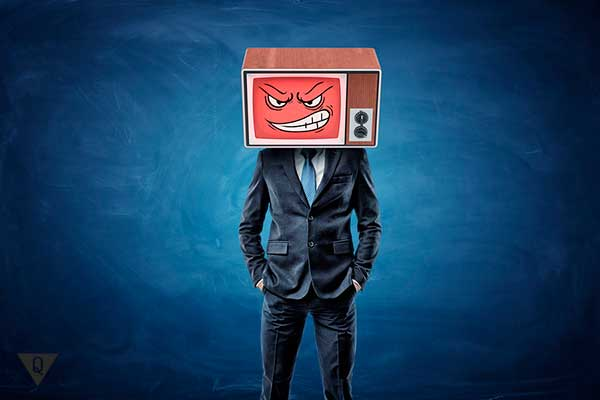 злой мужчина-телевизор