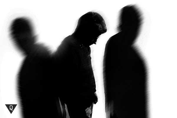 мужчина и две тени