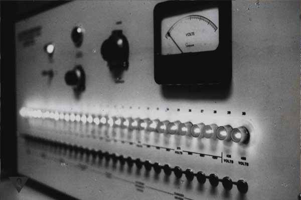 Инструмент для эксперимента Милгрэма