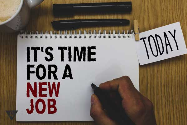 """Надпись на английском: """"Время для новой работы"""""""