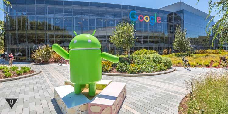 Андроид на фоне Гугл