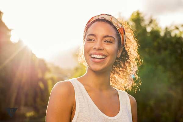 Счастливая афроамериканка