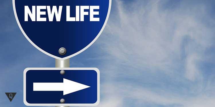 """Знак с надписью """"Новая жизнь"""""""