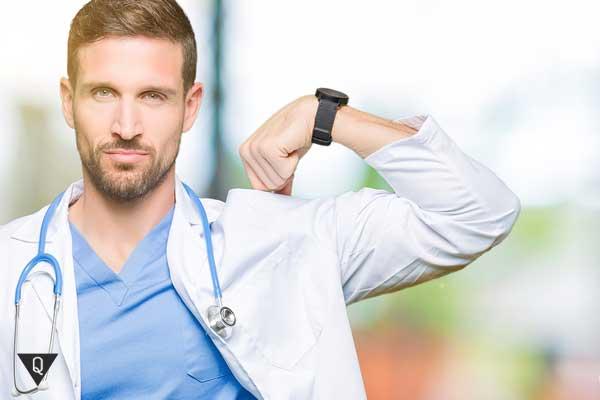Самоуверенный врач