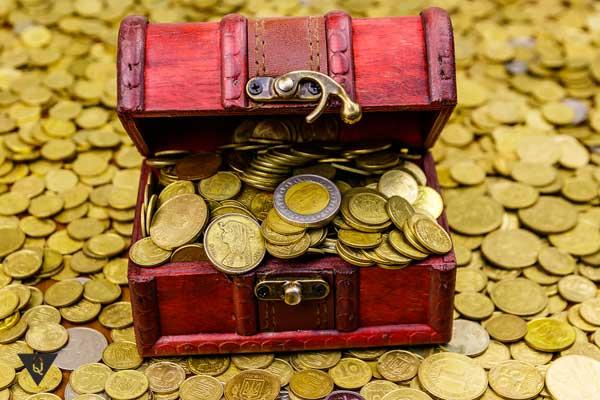 Много золотых монет