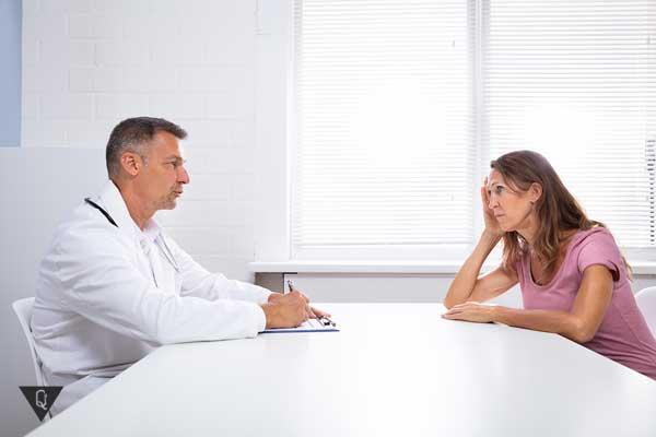 Женщина у психиатра на приеме