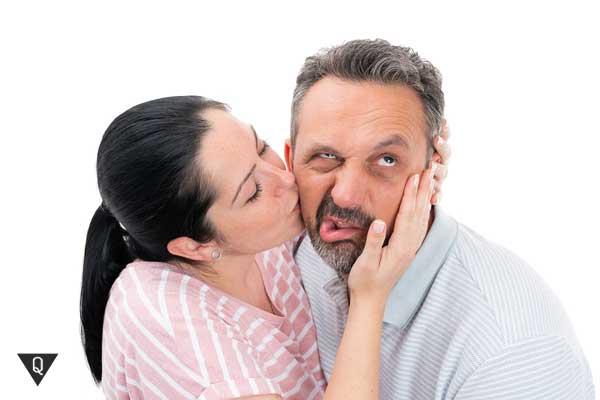 Мужчине не нравится целующая его девушка