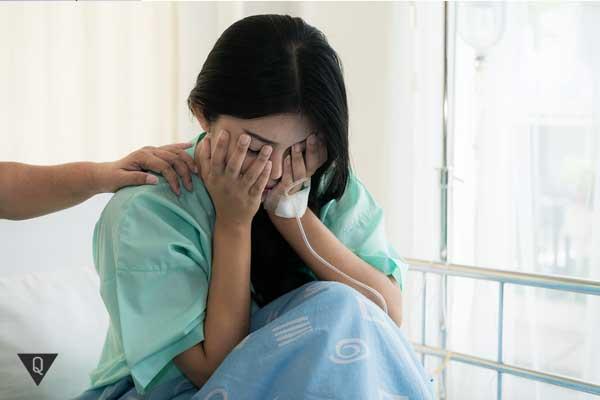 Девушка боится докторов