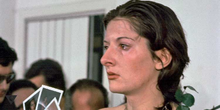 Лицо Марины Абрамович после эксперимента