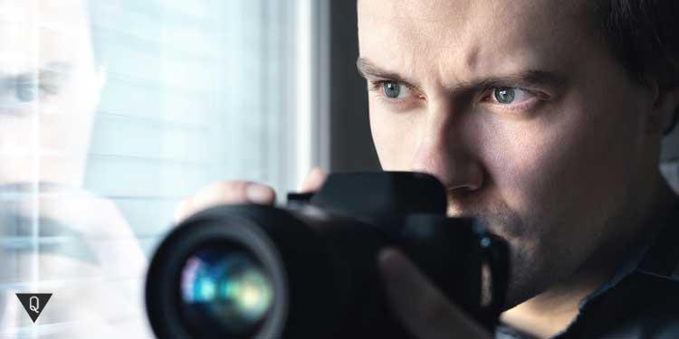 Мужчина с камерой